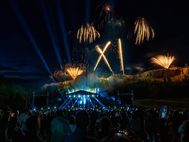 По данным дирекции фестиваля, летние события форума посетили более 36 тыс. человек. Зарубежная часть предварительно запланирована на 4–17 сентября, подробности пока не раскрываются
