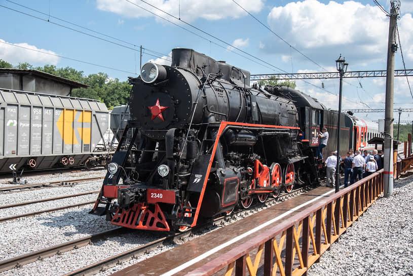 """«Графский поезд» будет ездить по субботам. По данным """"Ъ-Черноземье"""", до октября все билеты раскуплены, в очереди на экскурсию записаны более 700 человек"""
