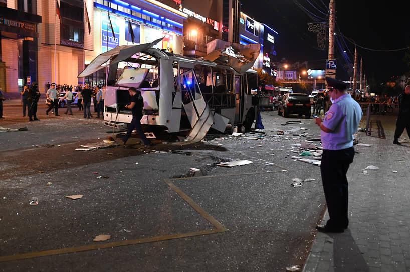 Поздно ночью стало известно, что Национальный антитеррористический комитет координирует работу служб после взрыва в Воронеже