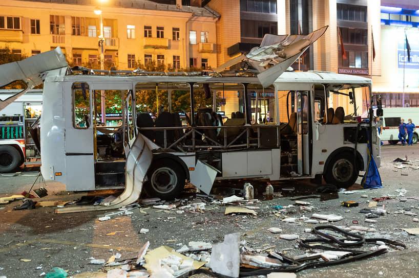 Последствия взрыва в маршрутном автобусе в Воронеже