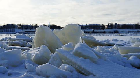 Уровень Волги в Ярославле упал на полтора метра ниже критического  / Вышедшая зимой из берегов река отступает
