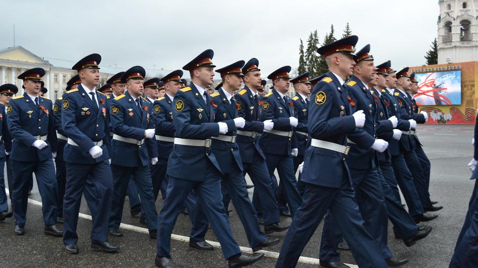 Сотрудники УФСИН принимают участие в Параде Победы.