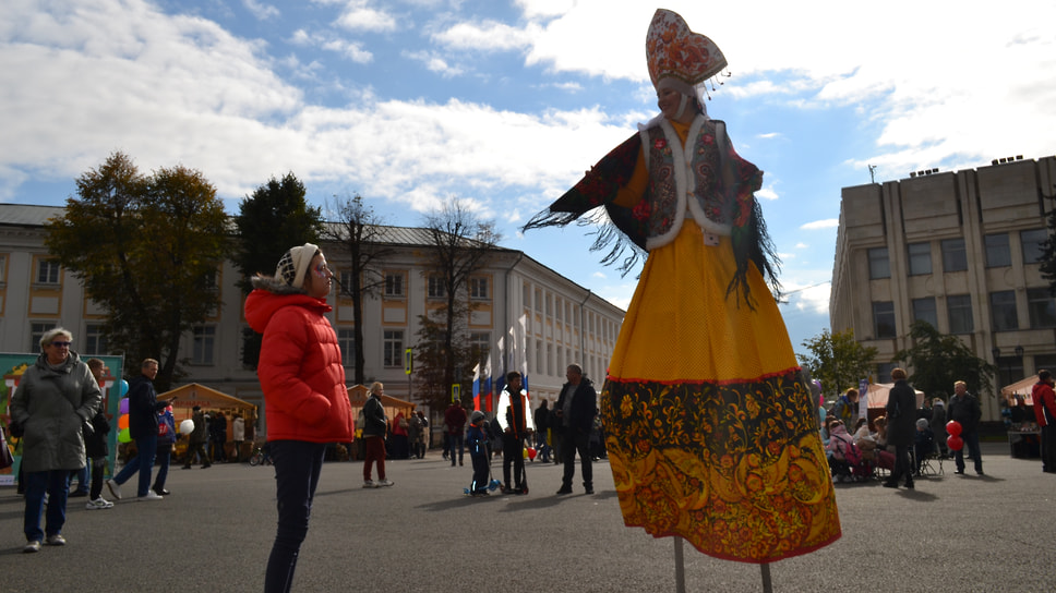 Карнавальный костюм русской красавицы
