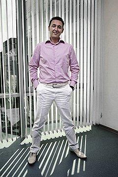 ТЕНИ ИСЧЕЗАЮТ В ПОЛДЕНЬ Александр Жаданов пришел работать в «ИДС Боржоми», когда для компании наступила самая черная полоса