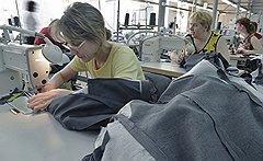 """Не покладая рукФабрики """"Юнистайла"""" заточены под производство собственных марок компании. Доля сторонних заказов составляет менее 5%. В будущем она должна возрасти"""