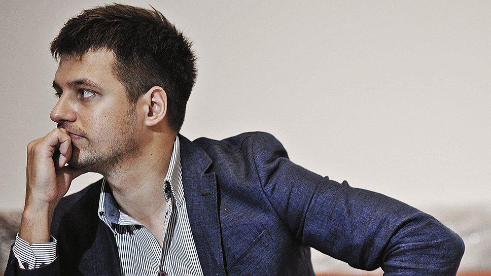 """Основатель и директор рекламного агентство вирусного видео """"Сметана"""" Андрей Бузин во время интервью."""