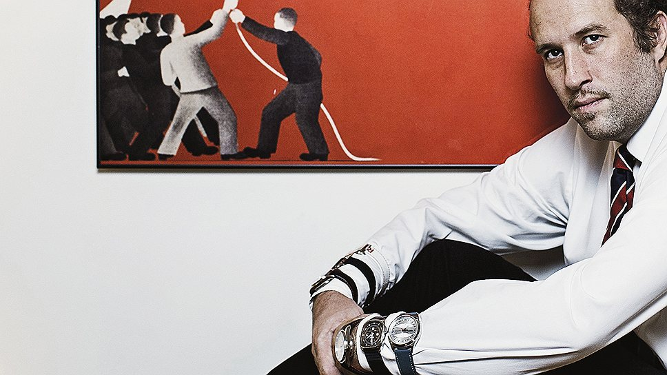 Игра на раздеваниеЖак Полье — яркий пиарщик. Он даже готов снять одежду, если она мешает продвижению брэнда