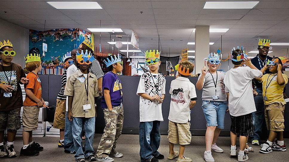 Праздник всегда с тобой. В Zappos умеют и любят развлекаться. Не забывая при этом о продажах