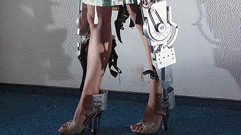 Трудный шаг  / Как ученые из МГУ хотят заработать на костюме «Железного человека»