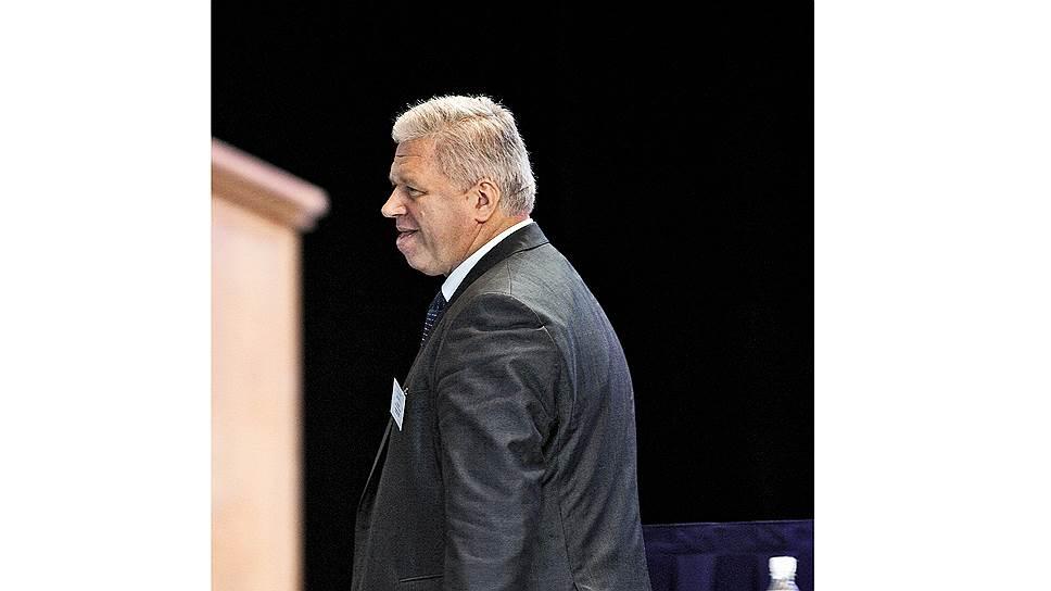 Думы председателя. Федерации независимых профсоюзов России, возглавляемой Михаилом Шмаковым, давно нужны реформы