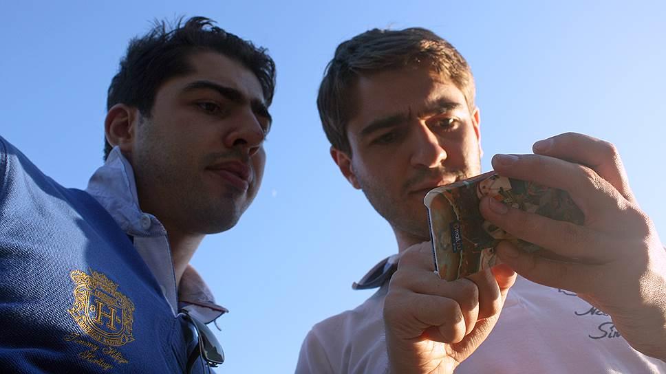 Стартапер во сне и наяву. основатели сайта Budist Грачик (слева) и татул Аджамяны придумали свой стартап благодаря постоянному недосыпу