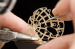 ...наручных российских часов. бронзовые часы испания в петербурге.
