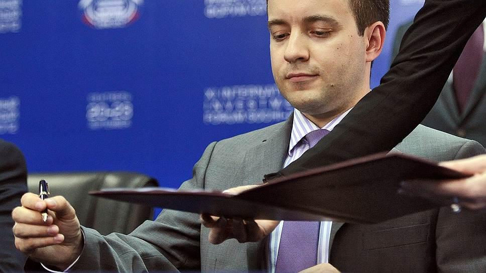 Министр связи Николай Никифоров придумал свои меры поддержки отечественных производителей ПО, заморозив проект предшественника по разработке национальной программной платформы (НПП)