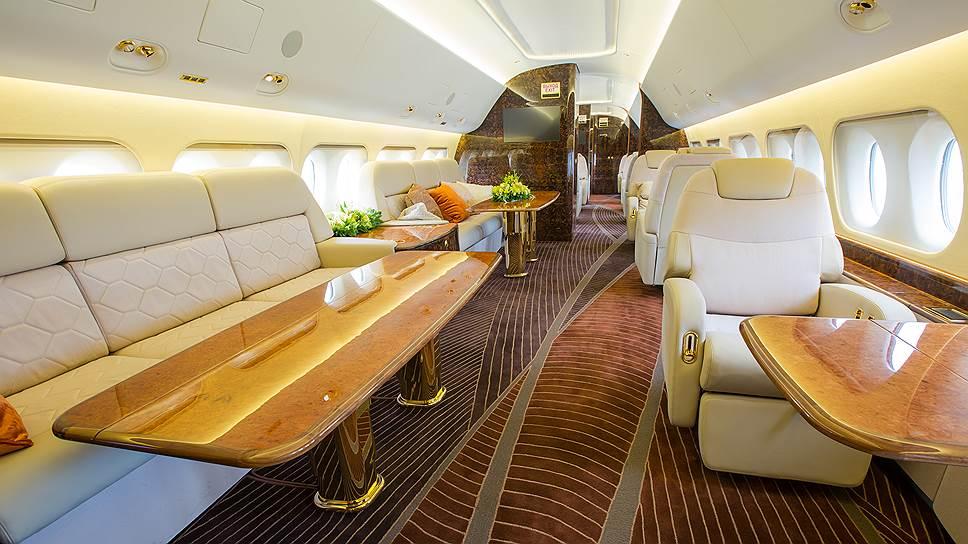 Sukhoi Business Jet -- первый бизнес-лайнер не только в российской, но и советской истории, который планируется к серийному производству