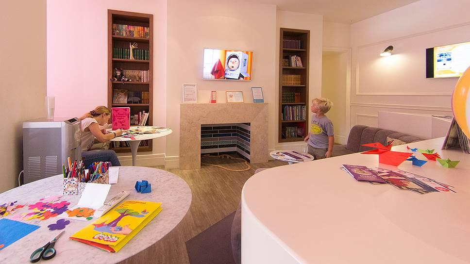 В рейтинге детских частных стоматологических клиник России дополнительные баллы клиникам начислялись за удачное оформление игровой зоны для детей