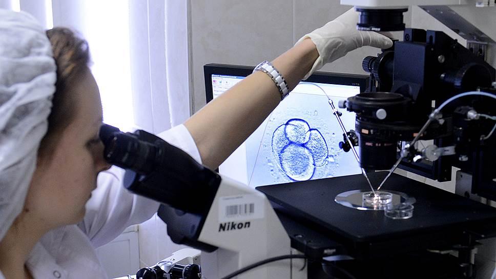 В мире растет потребность в вспомогательных репродуктивных технологиях — от экстракорпорального оплодотворения (ЭКО) до суррогатного материнства