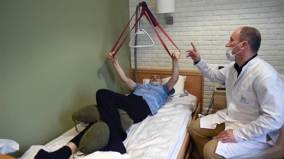 Пациенту всегда назначают лечение и процедуры по индивидуальной программе