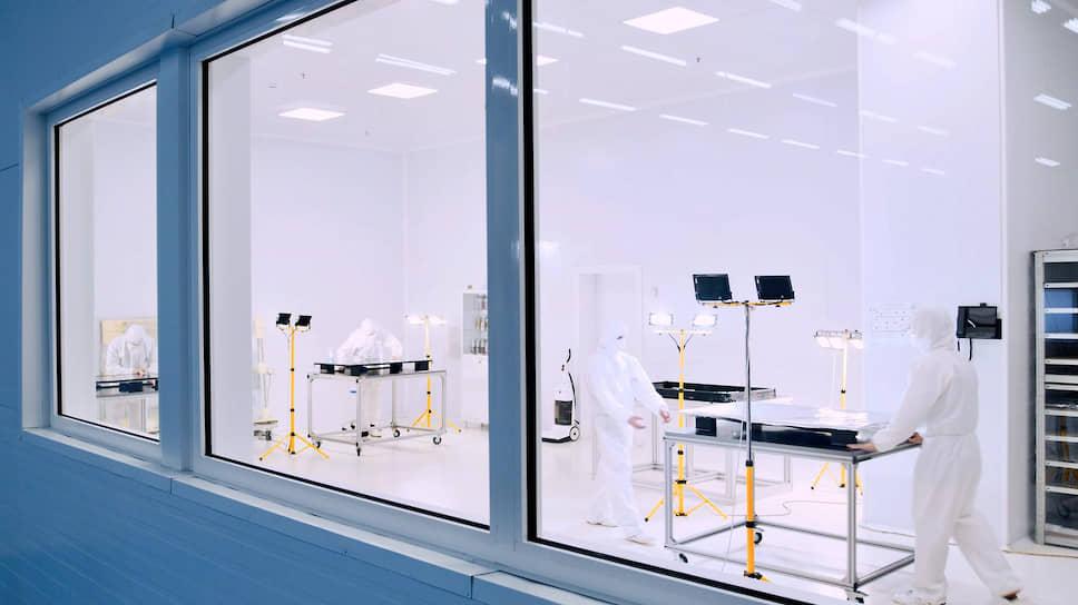 В лабораториях компании «Некс-Т» разрабатывают интерактивное оборудование для людей с ограниченными возможностями здоровья по зрению и слуху