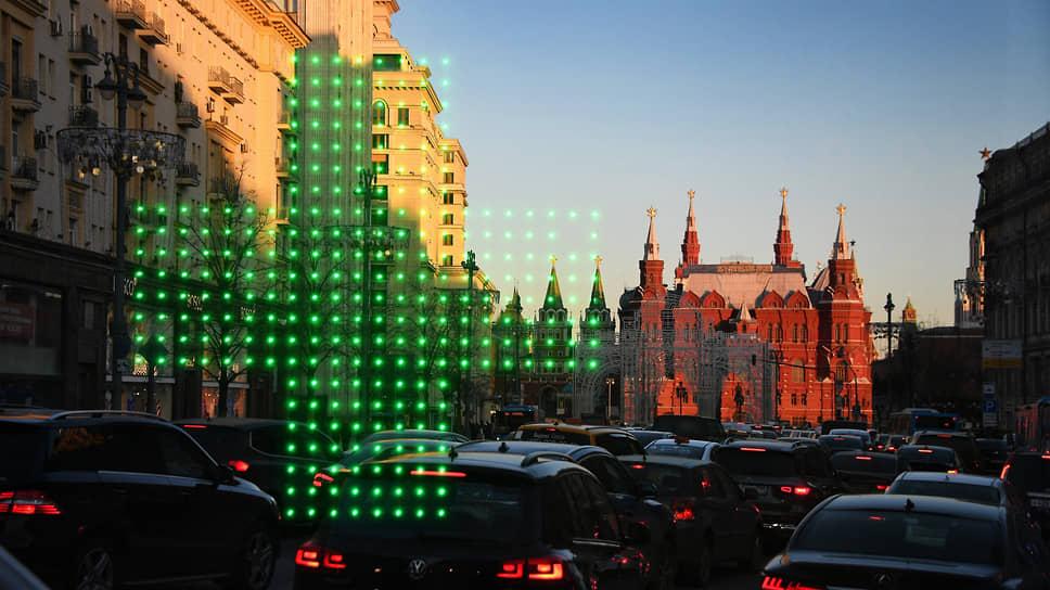 Первая российская аптека открылась в конце XVI века в районе Кремля. С тех пор многое изменилось, но спрос на лекарства продолжает расти