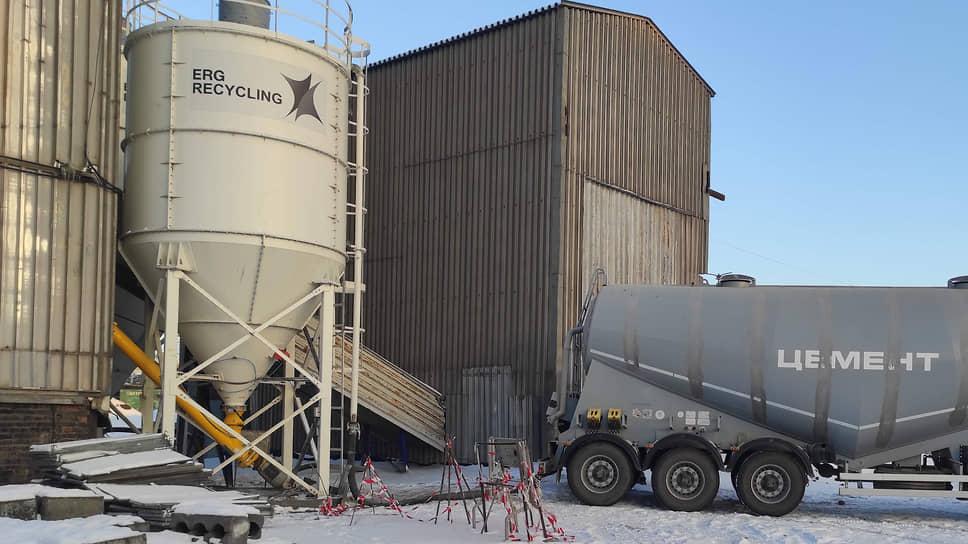 Актюбинский завод ферросплавов: из пылей газоочистки производятся брикеты и шлакоблоки