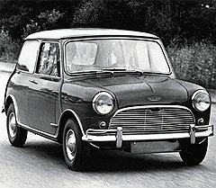 Шедевр Алека Иссигониса Austin Mini с поперечным расположением двигателя родился в 1959 году