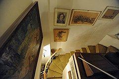 """""""Лестничное"""" пространство можно использовать в качестве картинной галереи"""