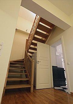 Два уровня позволяют четко разделить квартиру на гостевую зону и приватную