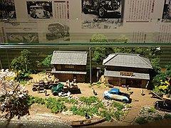 Легенда о ремонте грузовика Toyota G1 самим Киичиро Тойода воплощенная в папье-маше