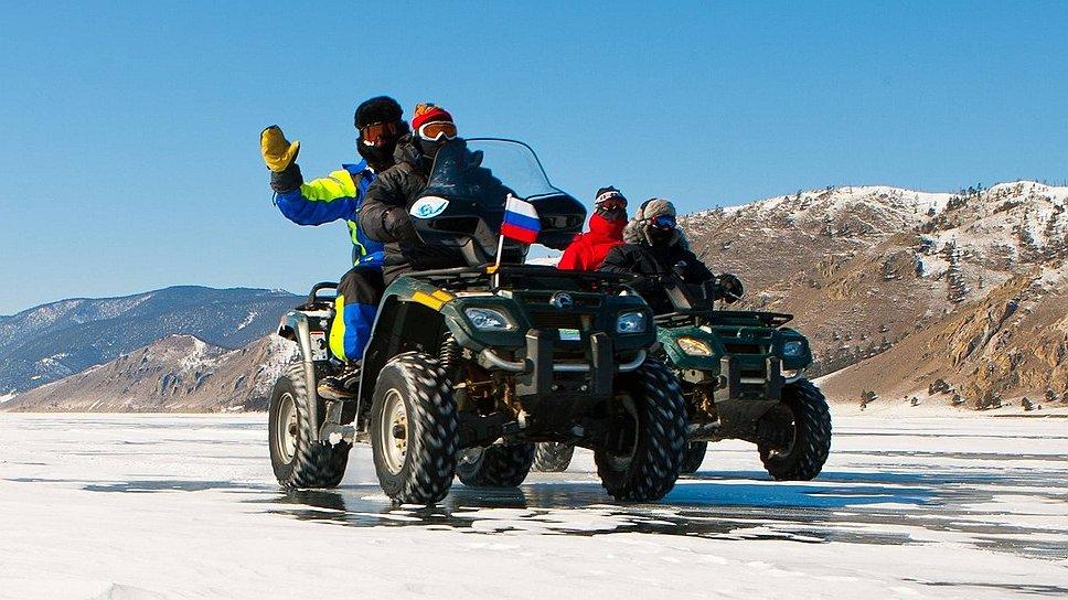 На льду можно покататься на квадроциклах...
