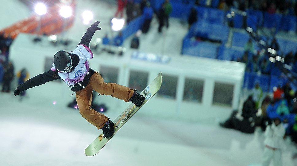 """Ровно за год до открытия Игр в экстрим парке """"Роза Хутор"""" прошли соревнования сноубордисток"""