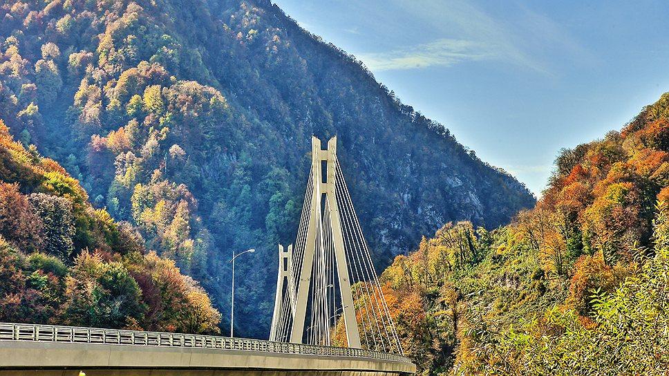 """Винтовой мост на трассе """"Адлер — Красная поляна"""""""