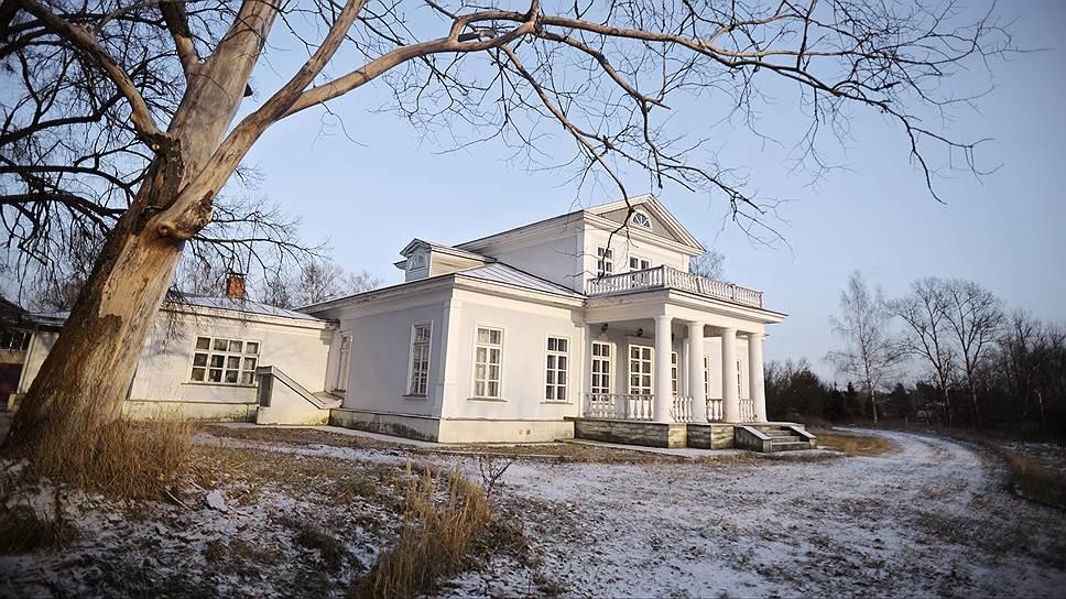 Усадьба Дедешино в Солнечногорском районе, стартовая цена на аукционе - 26,79 млн рублей