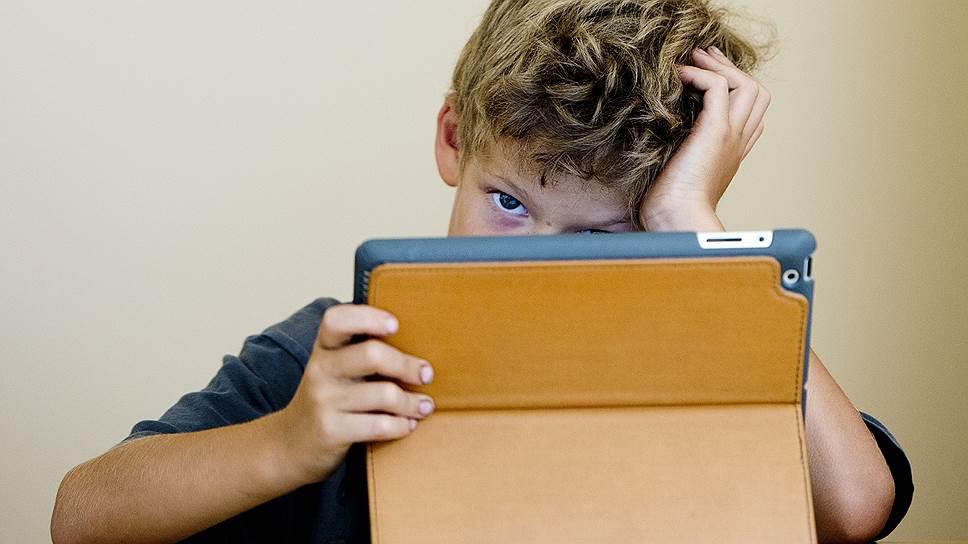 Для поколения Z, изучающего мир на планшетах и смартфонах, электронное образование будет таким же естественным, как для нас -- возможность трансатлантических перелетов.