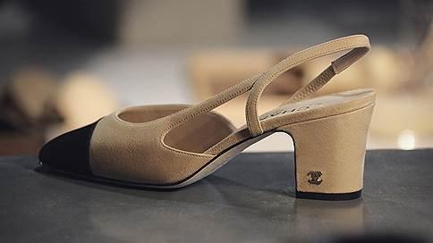 Идеальная пара  / Возвращение двухцветных туфель Chanel
