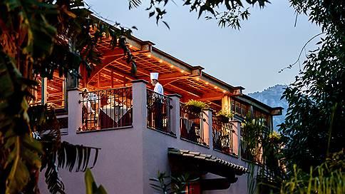 Одна счастливая деревня  / Forte Village Resort на юге Сардинии