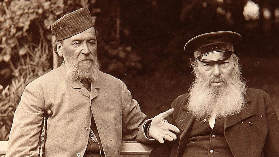 Беседы о чистом искусстве с другом юности Полонским (слева) в конце 1880-х очень оживляли усадебные досуги Фета