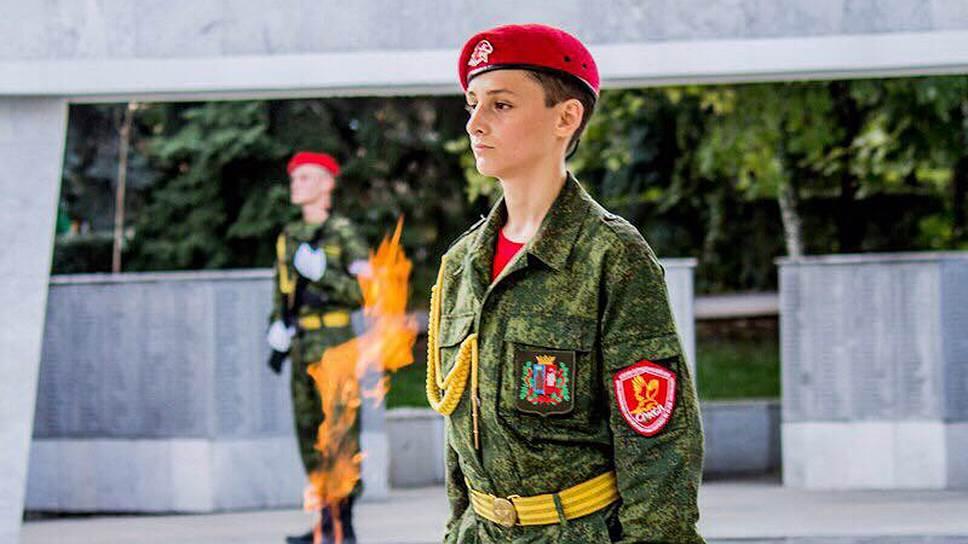 Александра Трутнева и Давид Ананян (на фото) стали героями Ростова-на-Дону. Они проявили мужество во время страшного пожара, который охватил город в конце августа. Не дожидаясь пожарных, ребята тушили жилища горожан