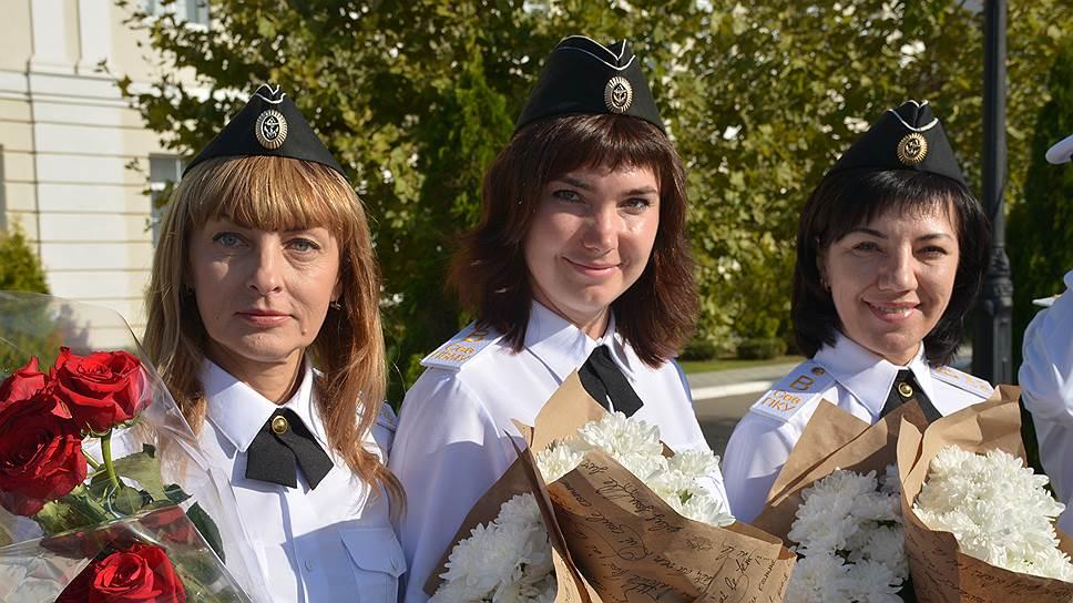 В Нахимовском училище можно встретить не только юношей в форме, но и красивых девушек, которые выбрали для себя военную специальность