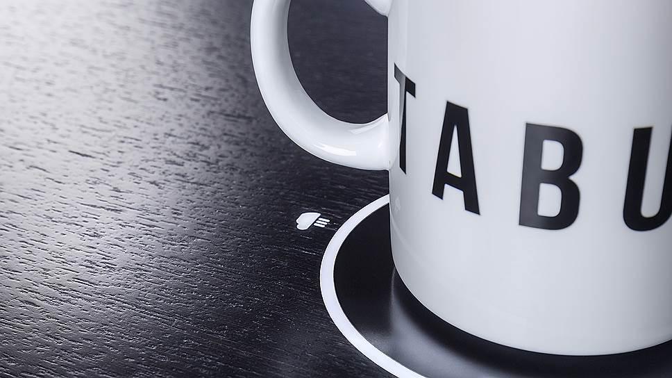 Модель Tabula Sense Smart Desk снабжена функцией подогрева кофе