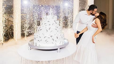 Кондитерский топ  / Как выбрать торт на свадьбу
