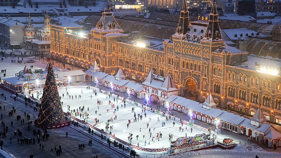 Коньковым ходом / Московские катки: танцы, фотозоны, шоу и фейерверки