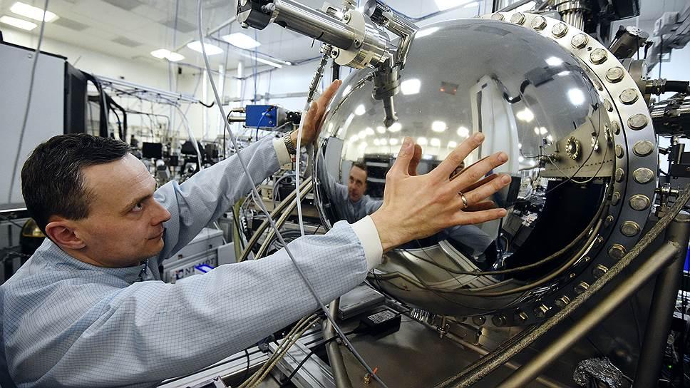"""Экспериментальная станция """"НаноФЭС"""" Курчатовского специализированного источника синхротронного излучения"""