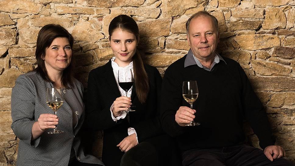 Совладельцы винодельческого дома Бюрнье: Марина, Александра Мария и Рено Бюрнье
