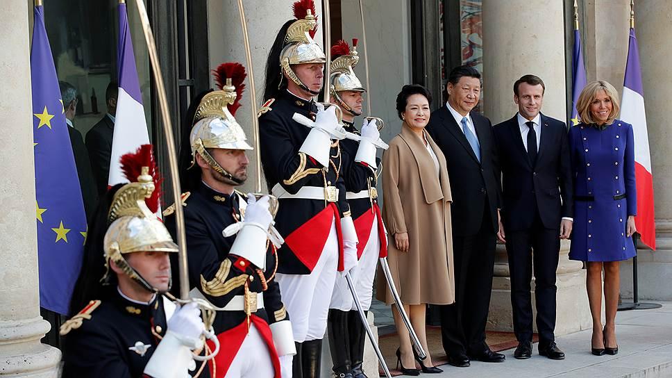 Красный, большой и пустой внутри / Китай может оставить ЕС и США без фантазий о том, что он на самом деле хочет