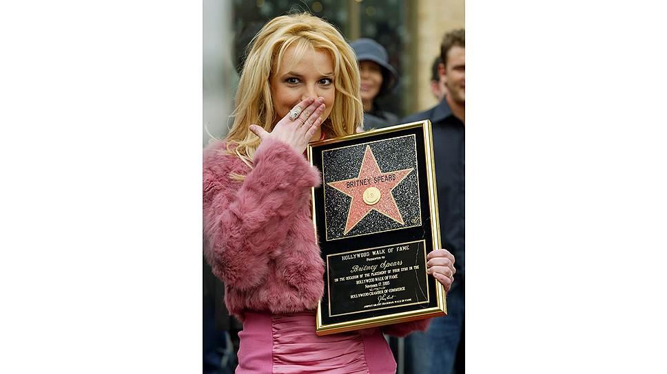 Звезду на голливудской Аллее славы Бритни заработала в 22 года