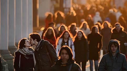 Не богаты, не бедны  / Российский средний класс тает, меняя потребительские привычки