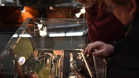 Стволы и деньги  / Выгодны ли инвестиции в коллекционное оружие