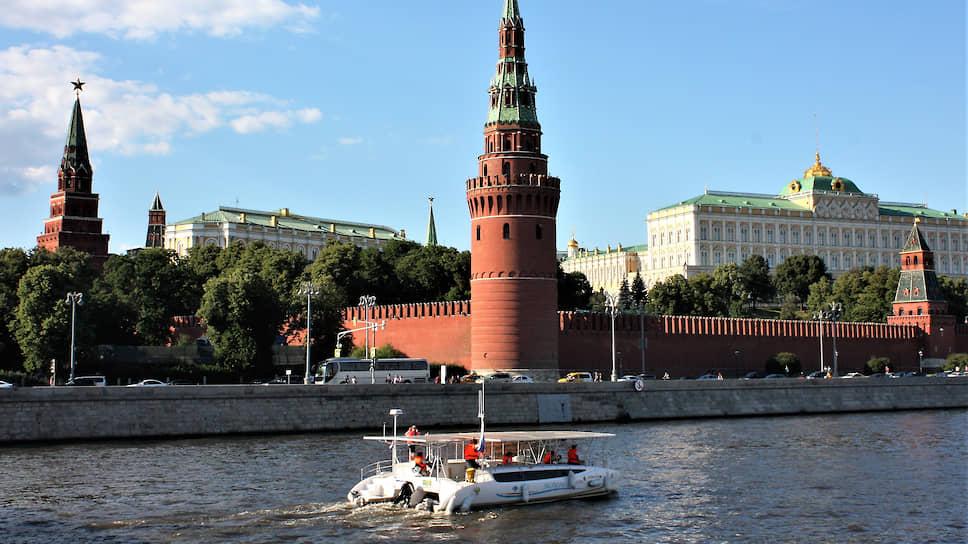 В 2018 году экспедиция «Эковолна», организованная при поддержке «Маринет», на уникальном судне — электрокатамаране с российскими солнечными модулями — установила рекорд и прошла от Балтики до Каспия исключительно на энергии солнца