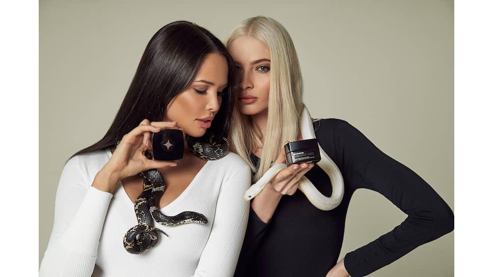 Амбассадоры SHINE IS инфлюенсеры Анастасия Решетова (слева) и Алена Шишкова в рекламной кампании бренда