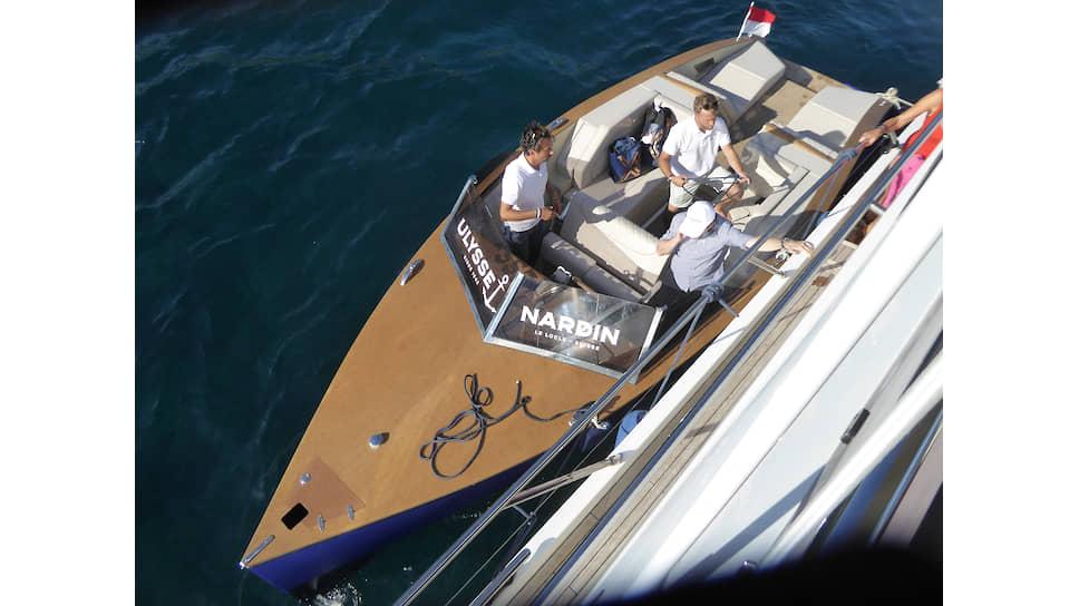 Партнер Ulysse Nardin молодая компания Laneva выпускает катера с электромотором, построенные из экологичной древесины